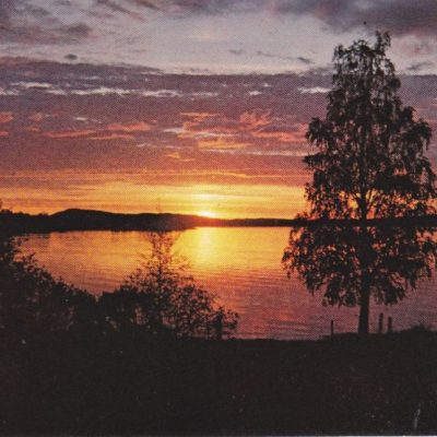 Solnedgång vid Örträsksjön Foto: S. Löfgren, Örträsk Ocirkulerat Ägare: Evens Löfgren 10x15