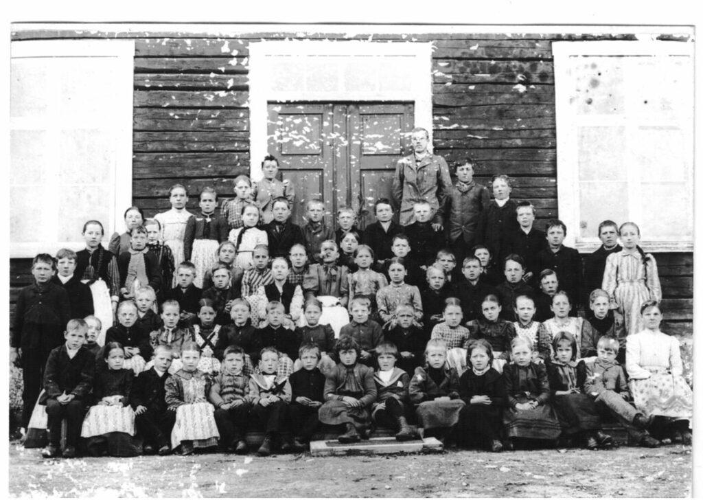 Elever vid Örträsk skola 1895
