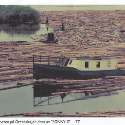 """Sista timmernoten på Örträsksjön dras 1977 av """"PONNY 2"""""""