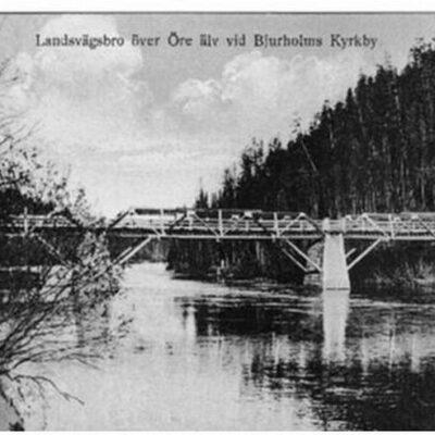 Landsvägsbron över Öre älv vid Bjurholms kyrkby Ägare: Margareta Dahlgren