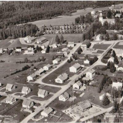 Flygfoto över Bjurholm Förlag: Anderssons Bok & Pappershandel, Bjurholm Ocirkulerat Ägare: Åke Runnman 10x15
