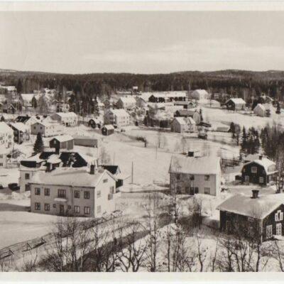 BJURHOLM Förlag: Anderssons Bok & Pappershandel, Bjurholm. Tel. 9 Poststämpel oläslig Ägare: Åke Runnman 9x14