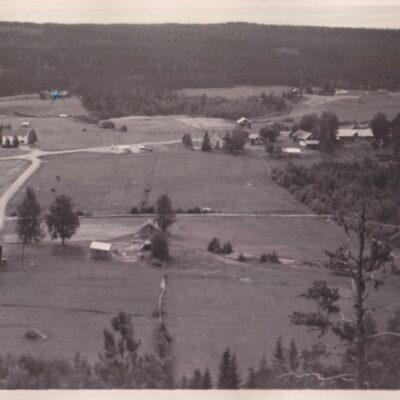 Vy från Balsjö Poststämplat 16/7 1964 Ägare: Åke Runnman 9x14