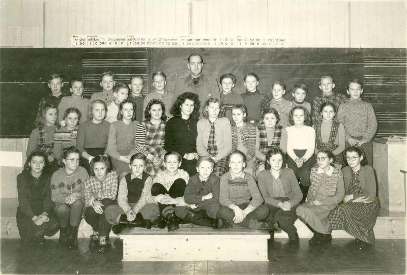Klasskort från Örträsk skola 1949, klasserna 5 - 6 - 7