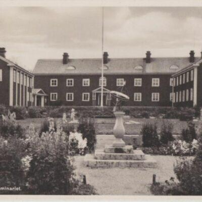 Lycksele. Statsseminariet Förlag: Bodéns Bokhandel, Lycksele Poststämplat 24/7 1948 Ägare: Åke Runnman 9x14