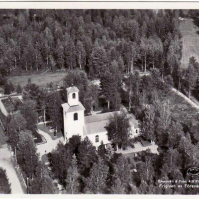 Fredrika kyrka Poststämplat 3/7 1952? Förlag: Kiosken, Fredrika, Tel. 61 Ägare: Åke Runnman