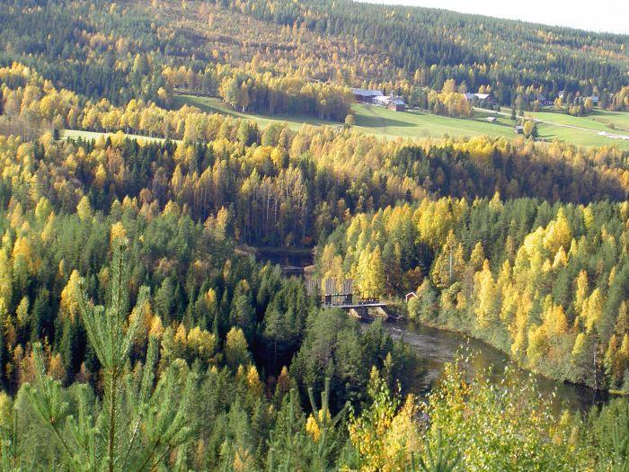 Från Malberget ner över dammen