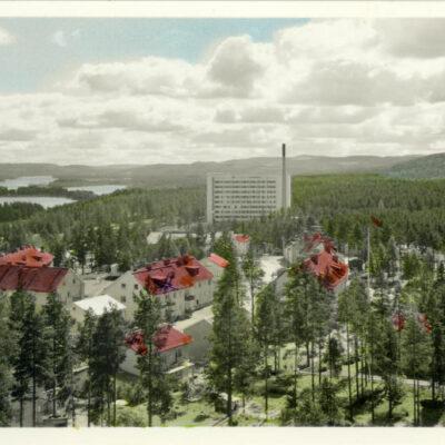 Lycksele. Utsikt med Lasarettet Förlag: Bodéns Bokhandel AB Lycksele Ej skickat som vykort Handkolorerat Ägare: Åke Runnman 9x14