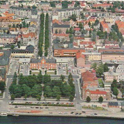 Flygbild över Umeå Copyright: Sven Hörnell, Riksgränsen, SwedenPoststämplat 21/6 1967Ägare: Åke Runnman10x15
