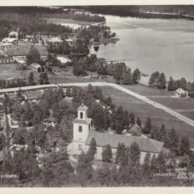 Flygfoto över Lycksele Förlag: Lycksele Pappershandel, Lycksele Poststämpel juli 1945 Ägare: Åke Runnman 9x14