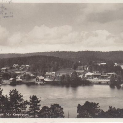 LYCKSELE Utsikt från Korpberget Förlag: Gust. S. Bodéns Bokhandel, Lycksele Poststämplat 14/7 1938 Ägare: Åke Runnman 9x14