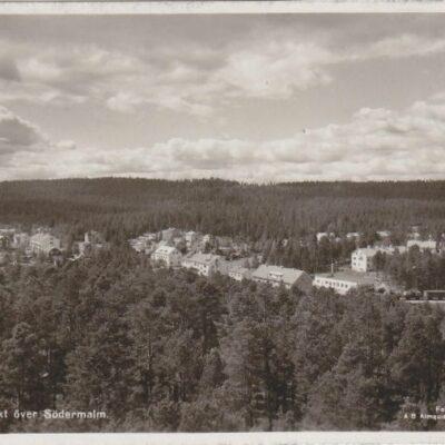 Lycksele. Utsikt över Södermalm Förlag: Lycksele Pappershandel Poststämpel oläslig Ägare: Åke Runnman 9x14