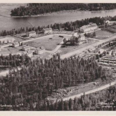 Flygbild över Lycksele Foto: AB. Stockholms Aero A4896-20 Ocirkulerat Ägare: Åke Runnman 9x14