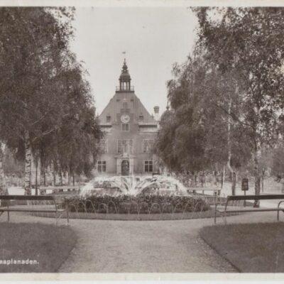 Umeå Rådhusesplanaden Förlag: Hildur Fjellströms Pappershandel, Umeå Poststämplat 1943-06-16 Ägare: Ivar Söderlind 9x14