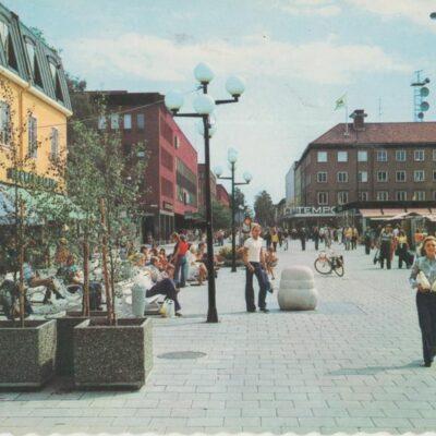 Umeå. Kungs-gå-gatan Färgfoto: Giovanni TrimboliOcirkuleratÄgare: Åke Runnman10x15