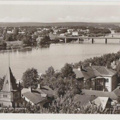 Umeå. Umeälven och broarna Förlag: Fjellströms Pappershandels Eftr., A. G. Delin, Umeå Ocirkulerat Ägare: Åke Runnman 9x14