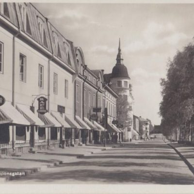 UMEÅ. Stationsgatan Foto och förlag: Bewe Magasinet, UmeåOcirkuleratÄgare: Åke Runnman9x14