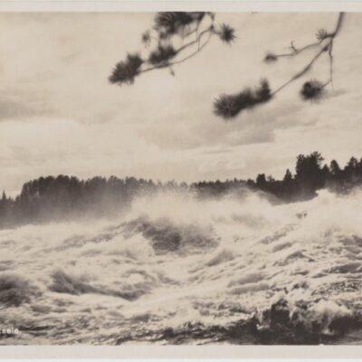 Hällforsen. Lycksele Förlag: Gust. S. Bodéns Bokhandel. Lycksele Poststämplat 8/8 1944 Ägare: Åke Runnman 9x14