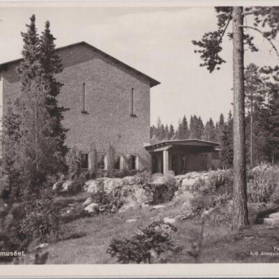 Umeå. Länsmuseet Förlag: Hjortsbergs Pappershandel, Umeå Poststämplat 1956-04-07 Ägare: Åke Runnman 9x14