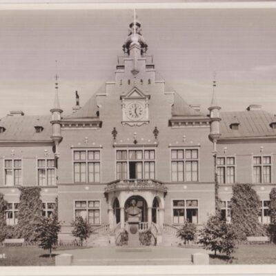 Umeå. Rådhuset Förlag: Hildur Fjellströms Pappershandel, Umeå Ocirkulerat men daterat 6/7 1943 Ägare: Ivar Söderlind 9x14