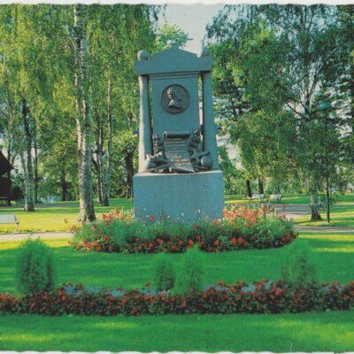 Döbelns monument. Döbelns Park, Umeå Förlag: Sandbergs Papper, Umeå Poststämplat 27/4 1987 Ägare: Åke Runnman 10x15