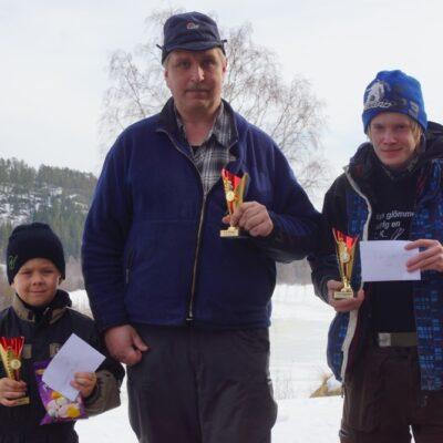 Dagens segrare: Emil Åström, Umeå, Barnklassen, Sune Eriksson, Vinliden, Vuxenklassen och Felix Olofsson, Hörnsjö, Ungdomsklassen