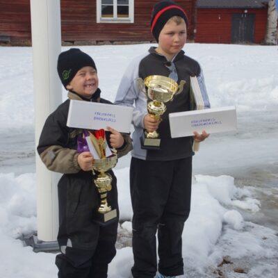 Två glada fiskare, Emil och Oskar Åström, Umeå