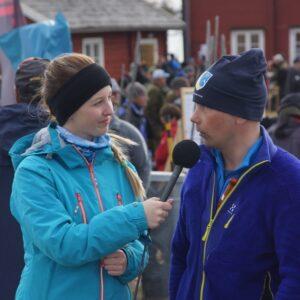 Matilda Leijon från Lidköping intervjuar Erik Tikkanen från Sportfiskarna  för Youtube och Kanal Gratis