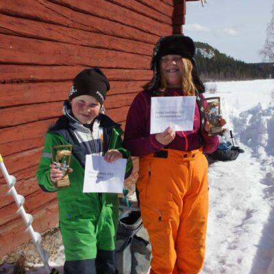 Syskonen Casper och Gisela Rimmevik vann dagens tävling i barn- respektive ungdomsklassen