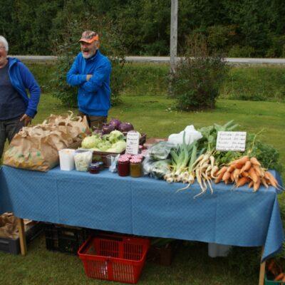 Yvonne och Sune hade också ett digert bord med grönsaker