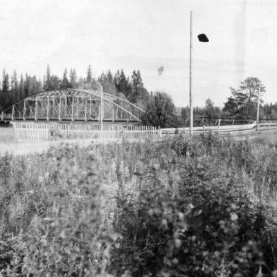 Augusti 2015. För augusti har jag valt ytterligare en bild från åbron. Denna bild är tagen i juli 1925.