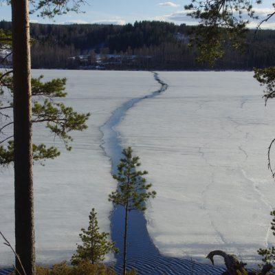2021-05-04 Nu börjar isen röra på sig  Foto: Åke Runnman