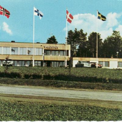 Bjurholm. Värdshuset Bävern Förlag: Anderssons Bok & Pappershandel Eftr. Bjurholm Skickat 16/8 1988 Ägare: Åke Runnman 10x15