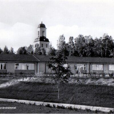Bjurholm. Pensionärshemmet Ensamrätt Lilians Kiosk, Bjurholm Ocirkulerat Ägare: Åke Runnman 10x15