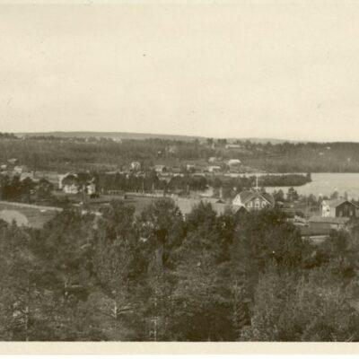 Fredrika Förlag: Bröderna Westman Foto: J.E. Nahlin Poststämplat 17/7 1934 Ägare: Åke Runnman