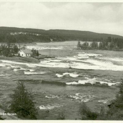 LYCKSELE. Motiv från forsen Pressbyrån 60452 Poststämplat 2/8 1954 Ägare: Åke Runnman 9x14