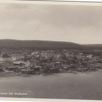 Utsikt över Lycksele från Skidbacken A.-B. ALGA Avd. 3 Reproduktionsanstalten Stockholm 608 Ocirkulerat Ägare: Åke Runnman 9x14