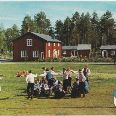 Folkdanslaget på Gammplatsen, Lycksele Copyright: Grönlunds Foto, Skansholm Ocirkulerat Ägare: Åke Runnman 10x15