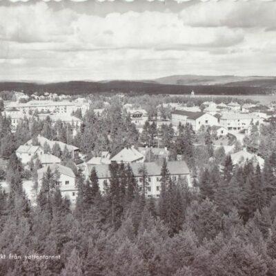 LYCKSELE. Utsikt från vattentornet Pressbyrån Poststämplat 25/2 1962 Ägare: Åke Runnman 10x15