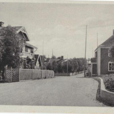 LYCKSELE Förlag: Gust. S. Bodéns Bokhandel, Lycksele Poststämplat 13/9 1930 Ägare: Åke Runnman