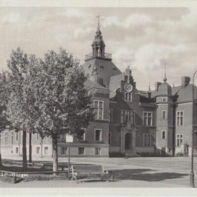UMEÅ. Rådhustorget Foto och förlag: Bewe Magasinet, Umeå Poststämplat 1935-07-27 Ägare: Ivar Söderlind 9x14