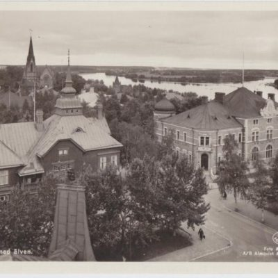 Umeå. Parti med älven Förlag: Fjellströms Pappershandels Eftr. A. G. Ilander, Umeå Poststämplat 1948-09-29 Ägare: Ivar Söderlind 9x14