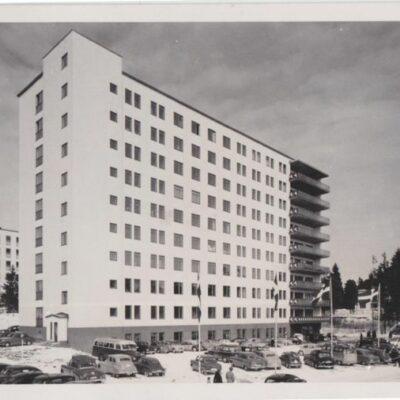 Umeå. Lasarettet Bewe Umeå Poststämplat 1956-04-18 Ägare: Ivar Söderlind 9x14