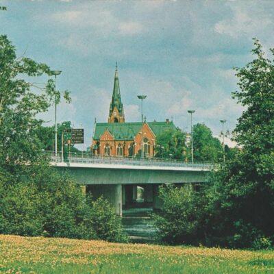 UMEÅ kyrkan och nya bron över UMEÄLVEN Hallens reklamtryck Poststämplat 1984-06-12 Ägare: Ivar Söderlind 10x15