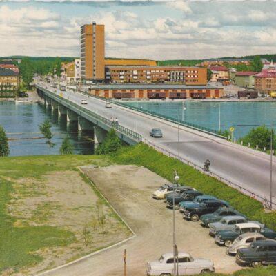 Umeå. Tegsbron Copyright: Sven Hörnell, Riksgränsen, Sweden Poststämplat 1967-06-28 Ägare: Åke Runnman 10x15
