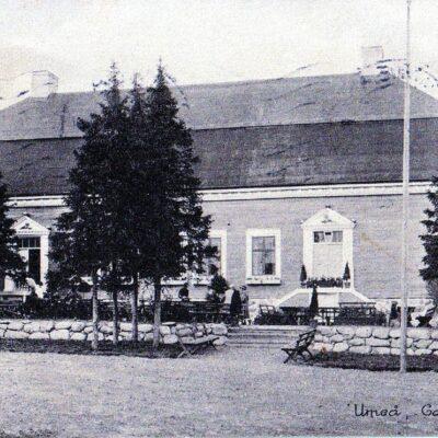 Umeå. Gammlia Förlag: E. F. S. Missionsbokhandel, Umeå Poststämplat 1/10 1926 Ägare: Åke Runnman 9x14 Kortet är adresserat till Wiola Nyström, Örträsk