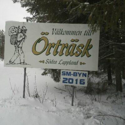 2016-02-21 Vid infarterna till Örträsk finns nu information om SM-byn 2016 Foto: Rolf Wahlberg