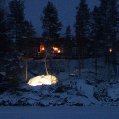 2014-12-28 Näsberget från Sörsidan och ett kyligt Örträsk men nu går vi mot ett GOTT NYTT ÅR! Foto: Åke Runnman