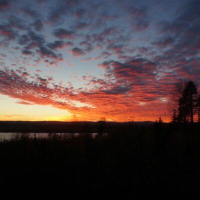 2018-10-11 En vacker solnedgång över Örträsket. Foto: Åke Runnman