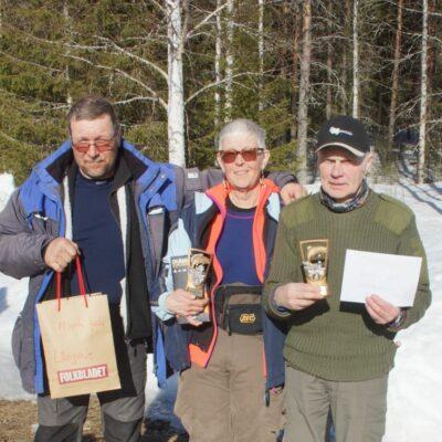 Mats Bäckman, minsta fisk, Harriet Jonsson, bästa dam och Stig Emilsson, segrare i Långsele